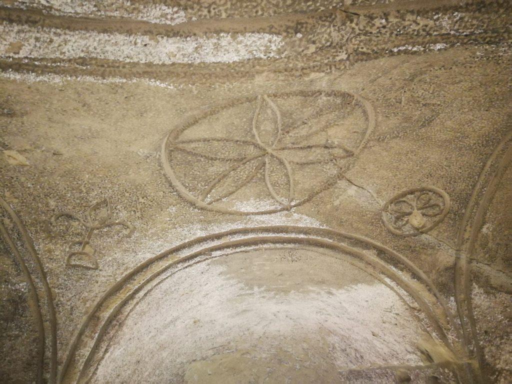 decorazione grotta terre roveresche