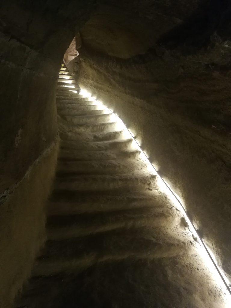 grotta piagge scale