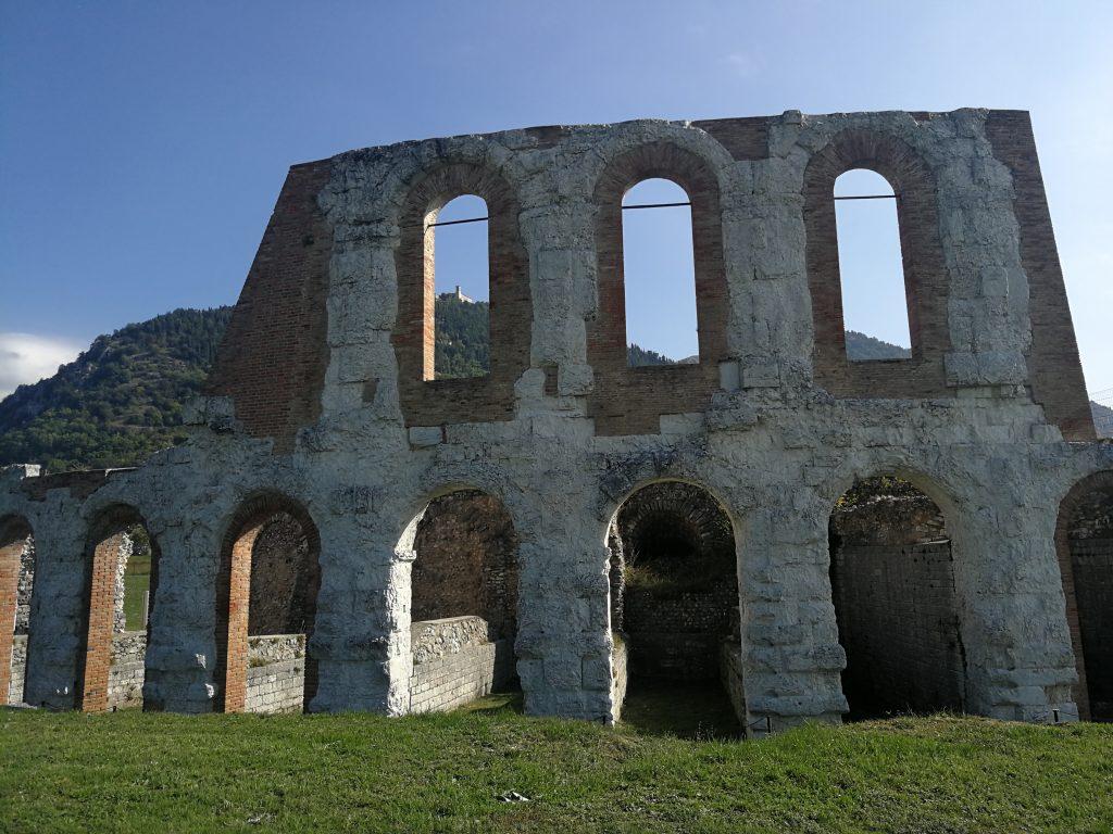 Teatro-romano-Gubbio