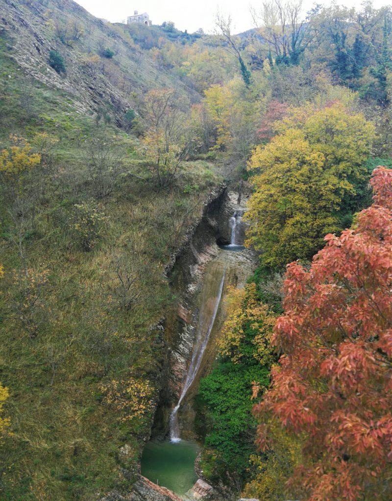 cascata di fosso del mulino