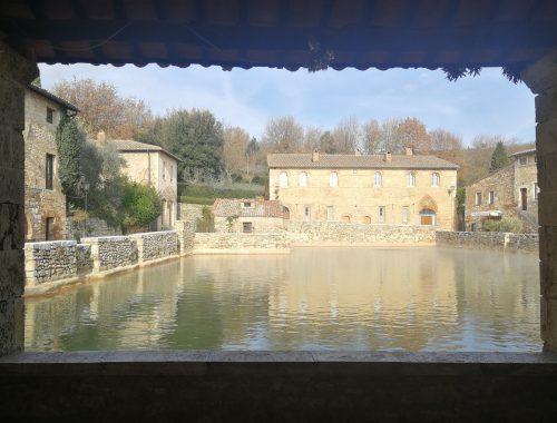piazza acqua bagno vignoni