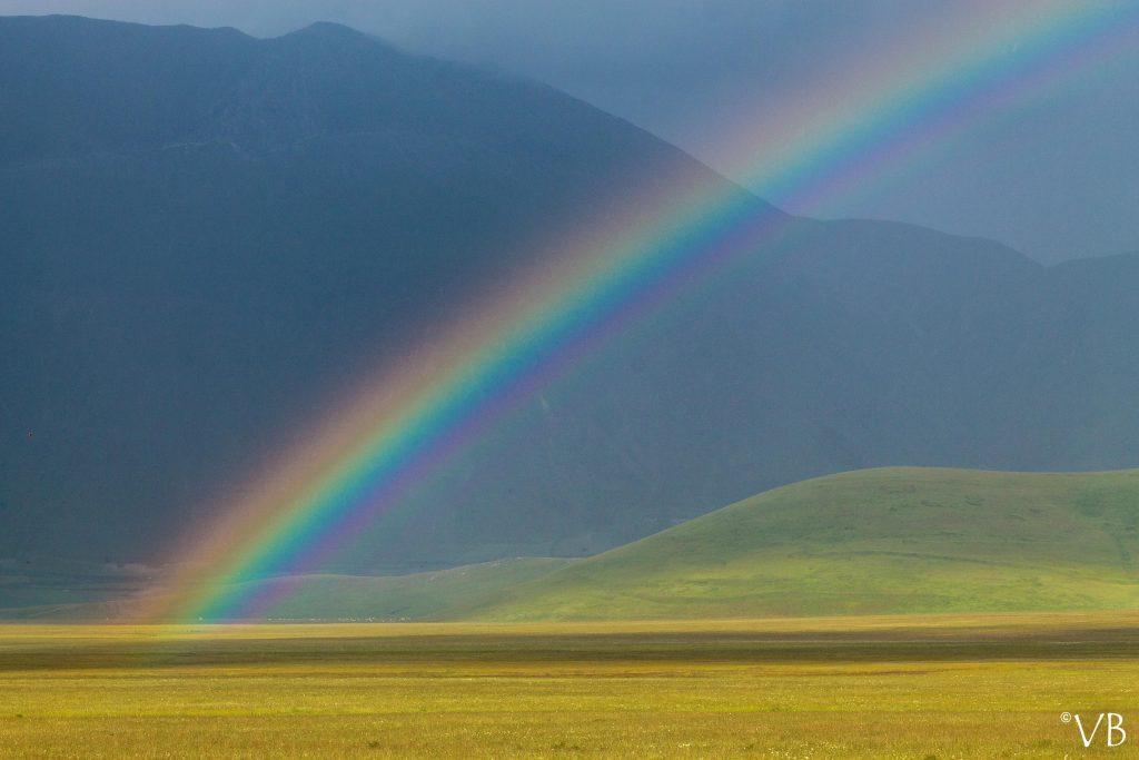 arcobaleno castelluccio di norcia