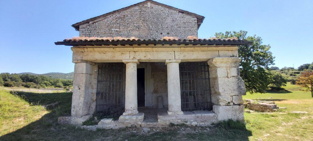 chiesa umbra carsulae