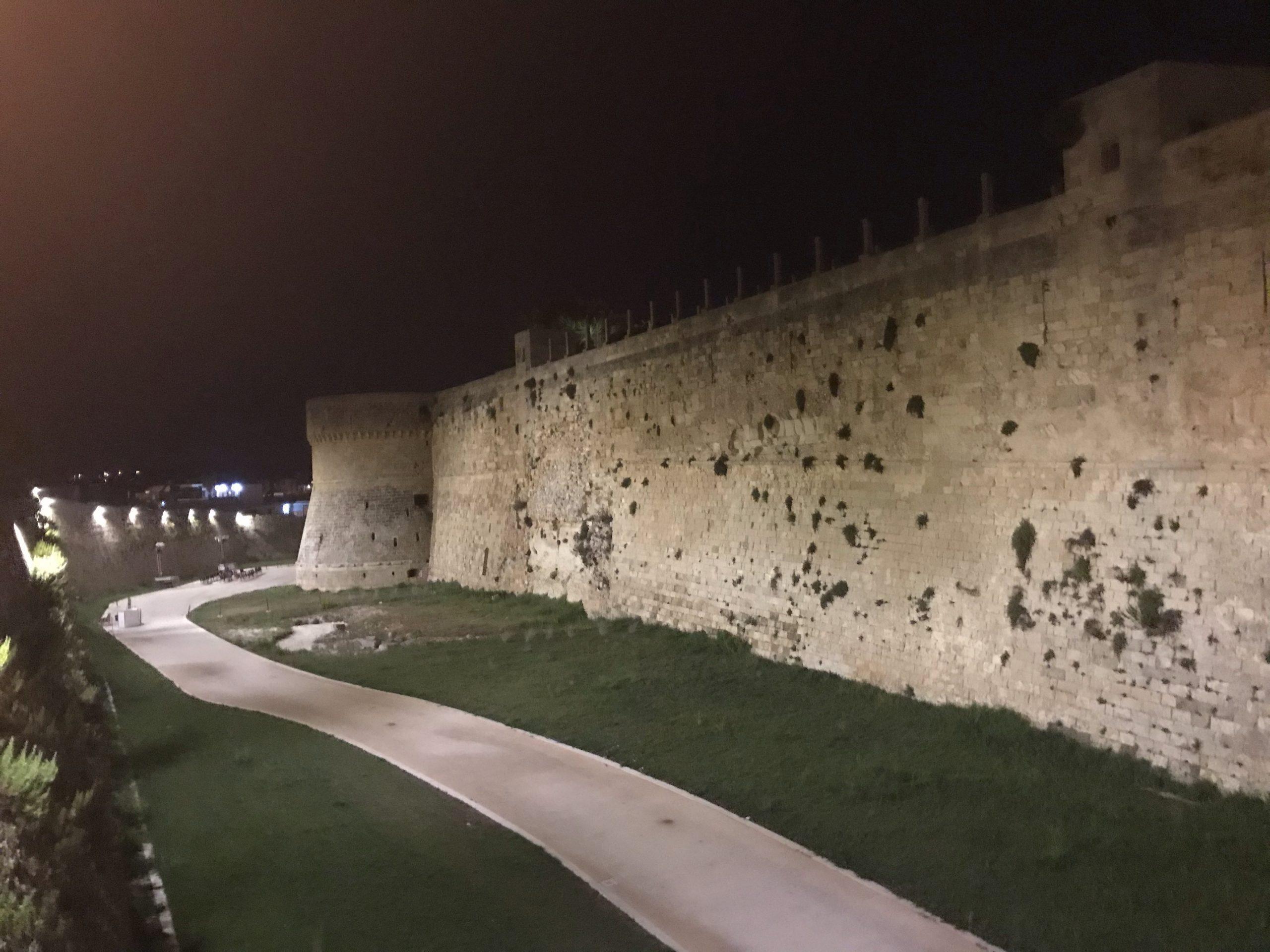 Otranto in un solo giorno tra mare e città