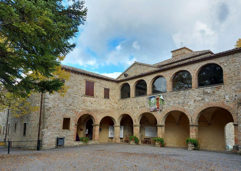 convento dintorni frontino