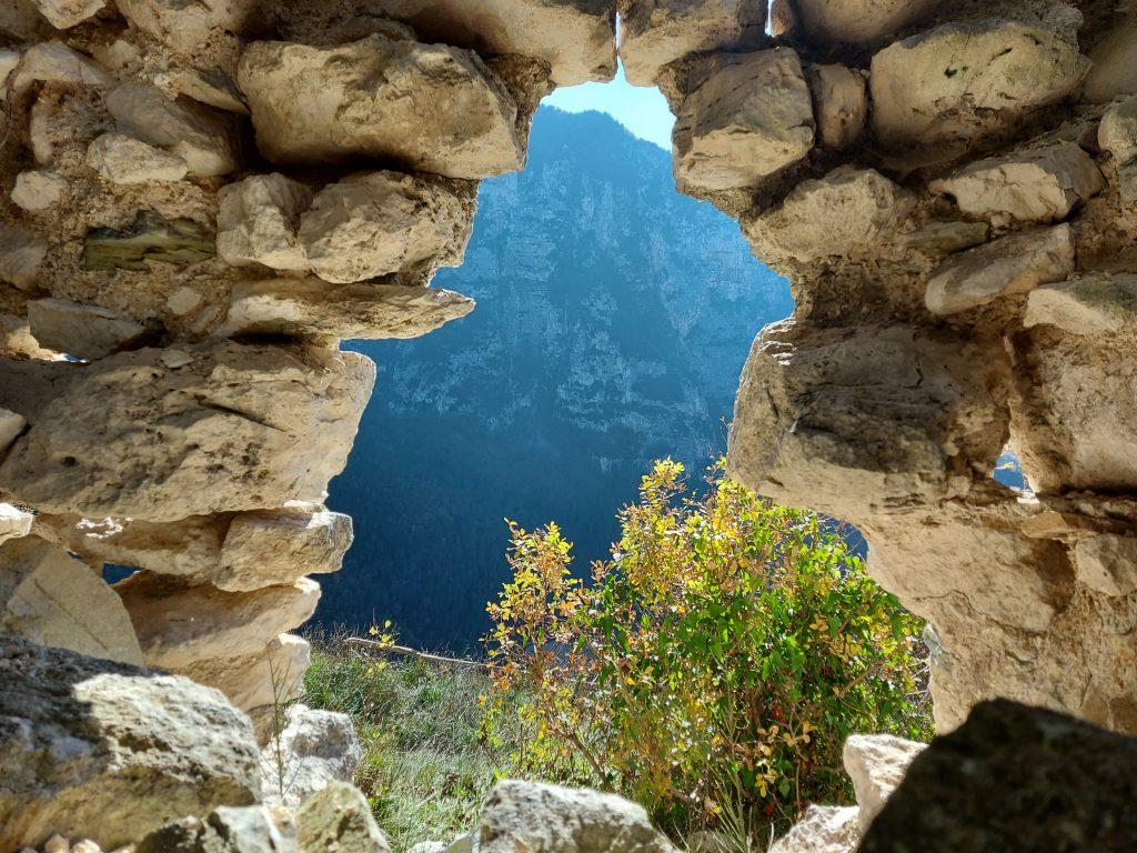 sentiero eremo grotta fucile