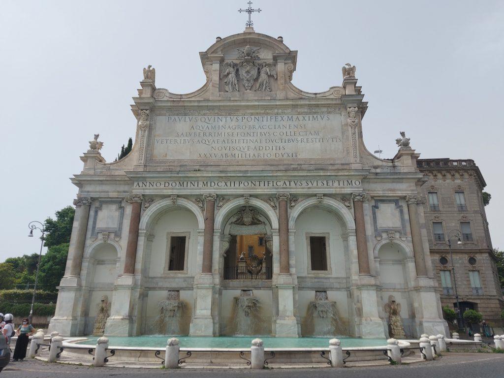 fontana dell'acqua paola roma